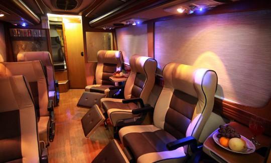 VIP-Bus-Image-1-540x326